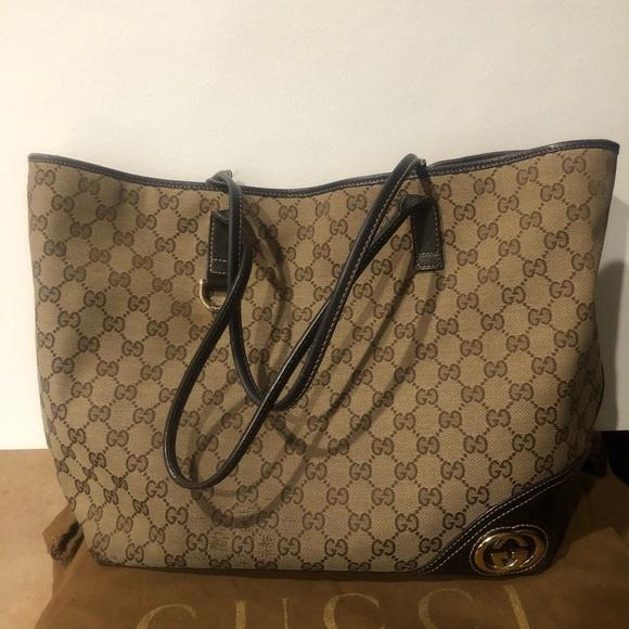Gucci Handbags - 💯 % Auth. GUcci tote